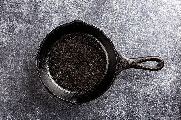 cast iron pan - weight