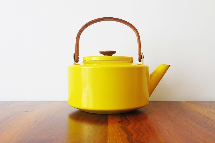 best-whistling-tea-kettle-easy-to-clean