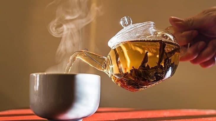 best-whistling-tea-kettle-pour
