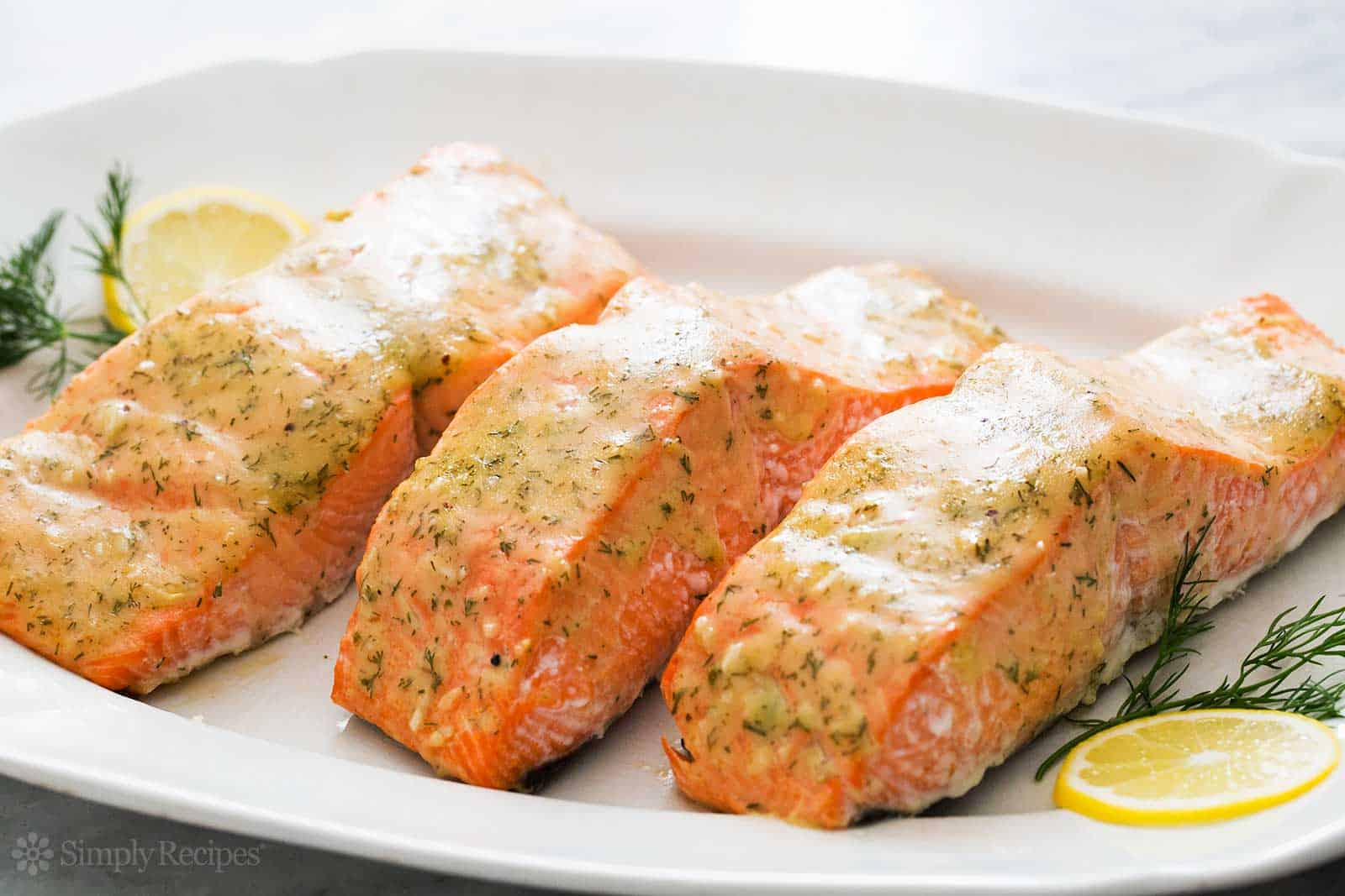 how-long-does-cooked-salmon-last-in-the-fridge-1
