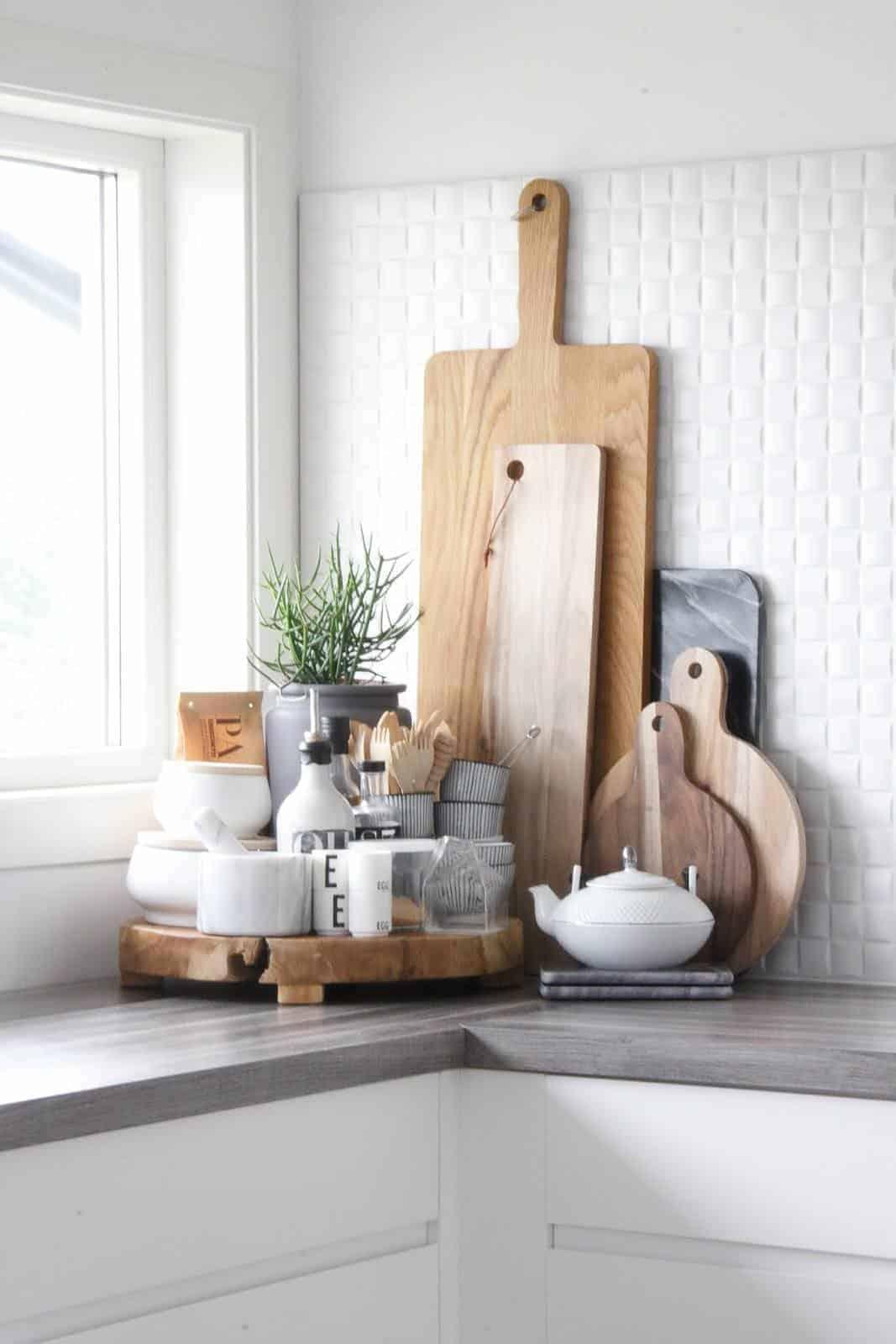 wood-cutting-board-decoration